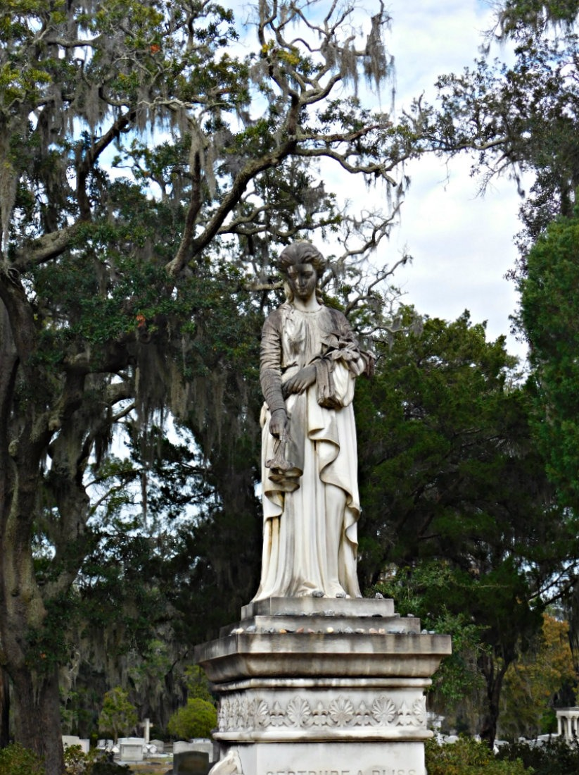 One of my favorite day trips from Savannah was to Bonaventure Cemetery