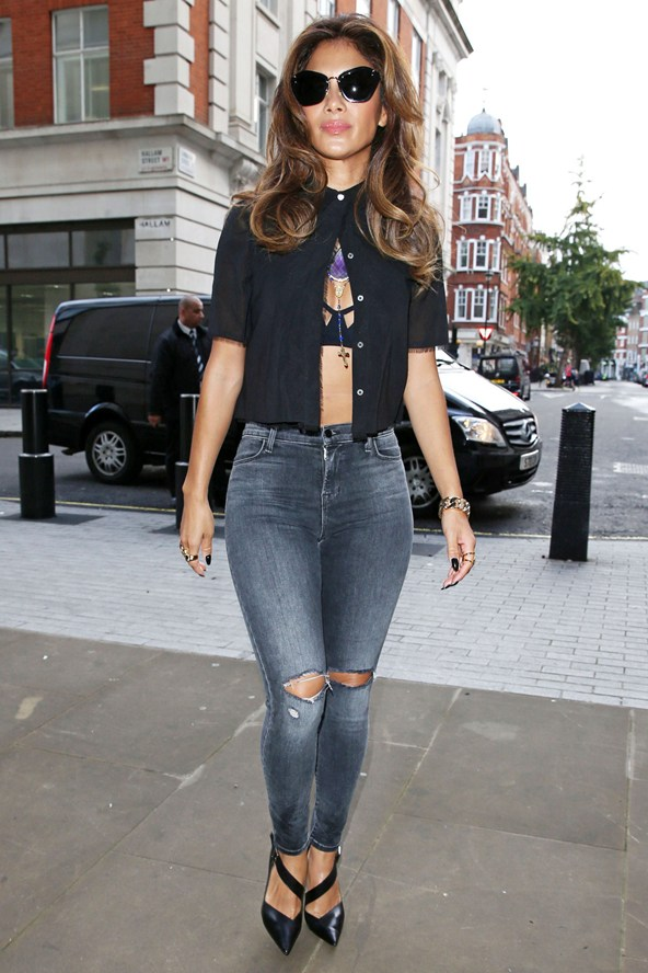 Celebrities Ripped Jeans Fashion Inspirations The WoW Style