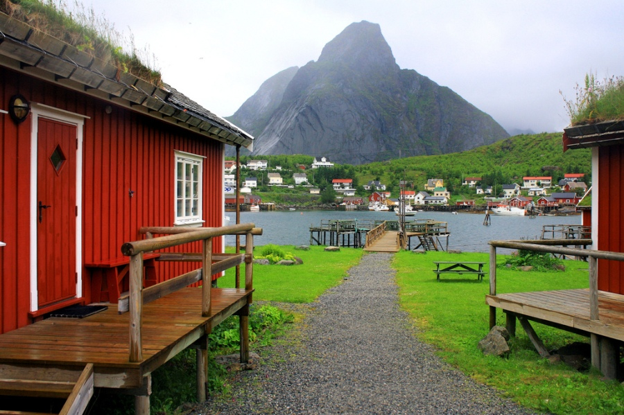 Travel Norways Scandinavian Fishing Village