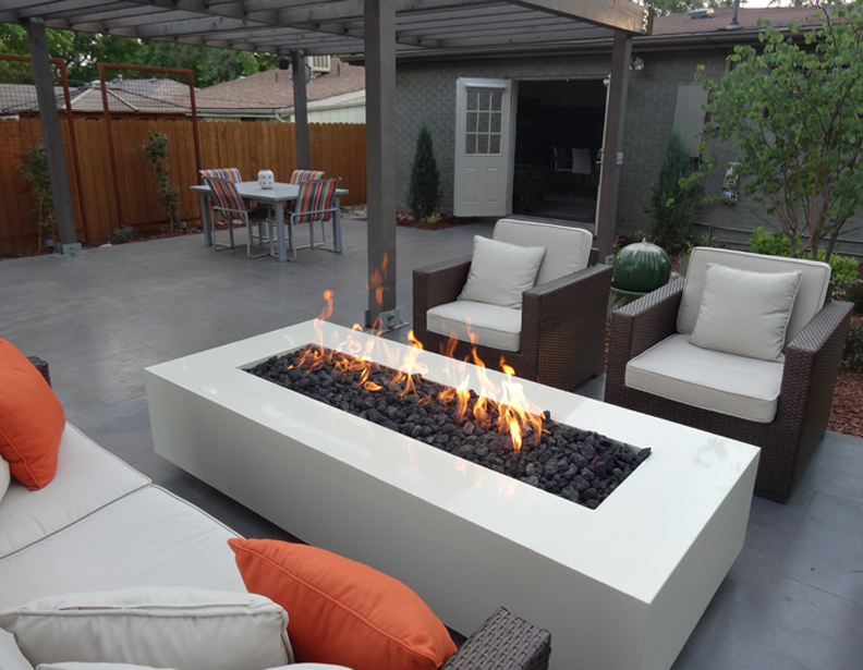 35 Outdoor Living Space For Your Home - The WoW Style on Modern Backyard Patio id=34320