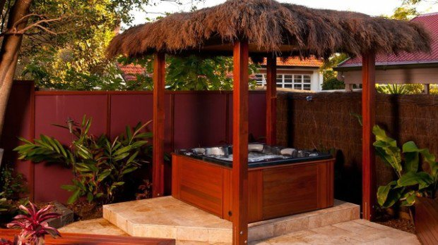35 Outdoor Living Spaces with Hot Bathing Experience - The ... on Outdoor Living Spa id=79838