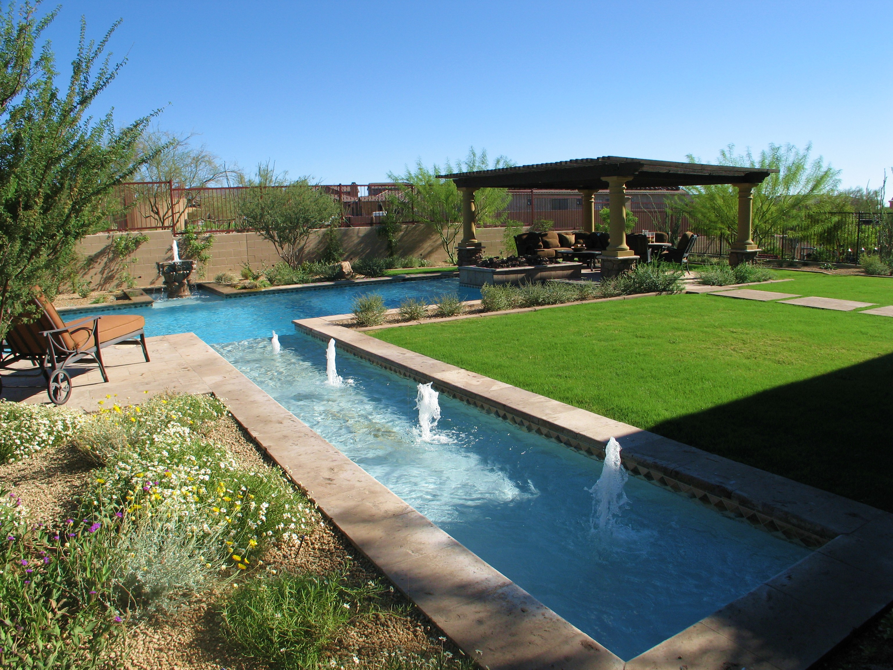 33 Jacuzzi Pools For Your Home on Modern Backyard Ideas With Pool id=74335