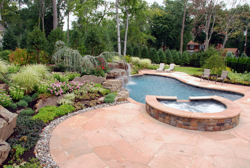 33 Jacuzzi Pools For Your Home - The WoW Style on Backyard Pool Landscape Designs id=17231
