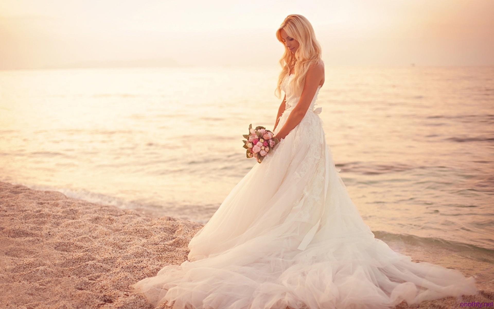 25 Beautiful Beach Wedding Dresses