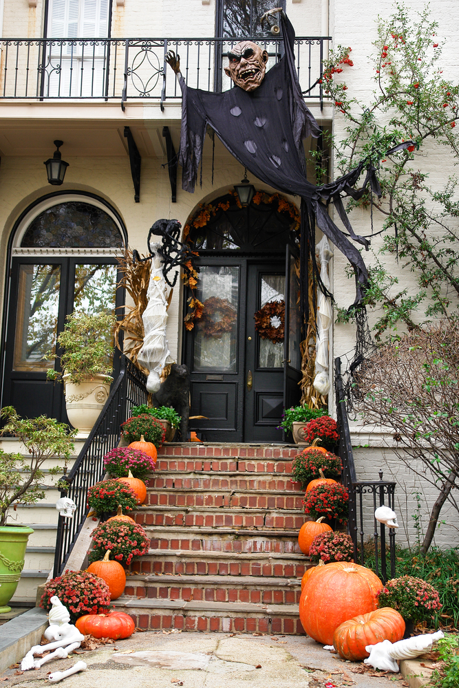 50 Awesome Halloween Decorations to Make This Year - The ... on Backyard Decor  id=42106