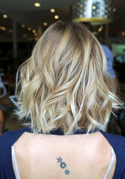 35 Beautiful Short Wavy Hairstyles For Women