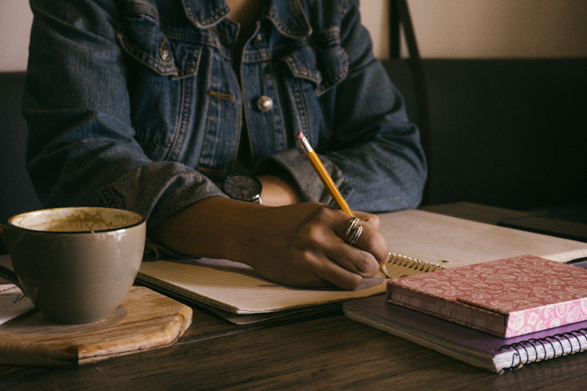 a lady blogging
