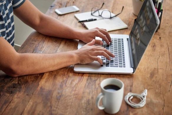 20 Online Gold Mines for Finding Paid Freelance Writing Jobs Online