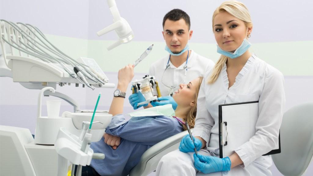 Preventing Bone Jaw Shrinkage through Dental Implants