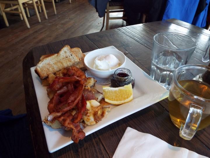 Breakfast at Promenade Cafe & Wine