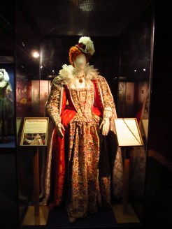 Queen Elizabeth costume, Globe Theatre