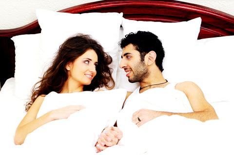 Couple in bed © Yekophotostudio | Dreamstime.com