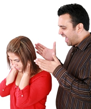 Man yelling at wife © David Castillo Dominici | freedigitalphotos.net