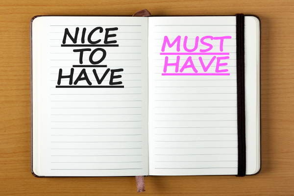 """Notebook with """"Nice to have"""" on one page and """"Must have"""" on the other"""