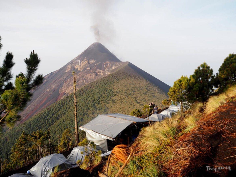 wulkan Acatenango camping