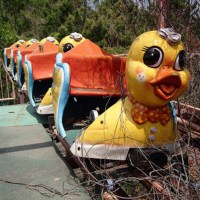 Bury the Carnival: 50 Eerie Photos of Abandoned Amusement Parks