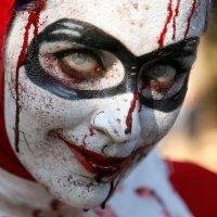 Silent Sundays: Zombie Harley Quinn (2016)