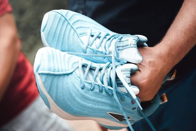 Enda running shoes
