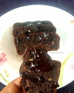 Slice-Of-Banana-And-Dark-Chocolate-Brownie
