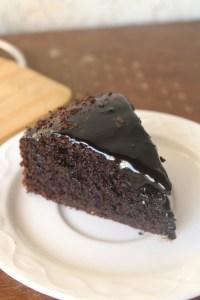 eggless-chocolate-cake-slice