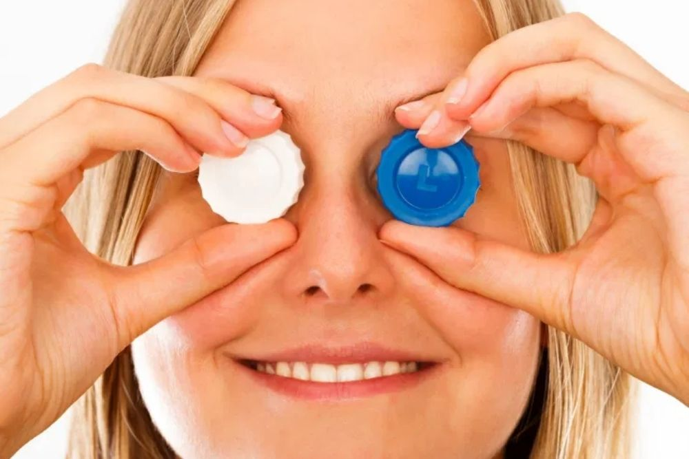 A Guide in Extended Wear Contact Lenses
