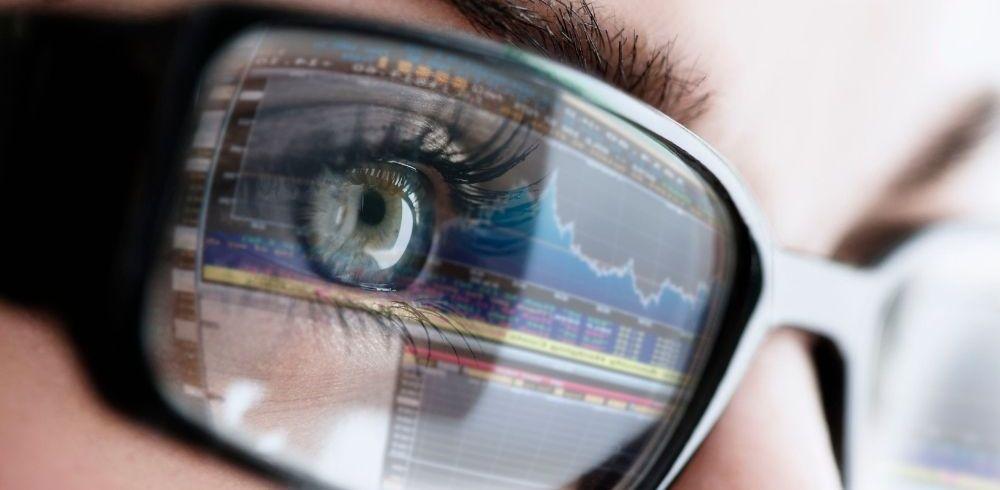 reflections present in eyeglasses lenses