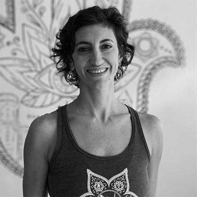 jacquelyn-headshot-yoga-house-bw-400x400
