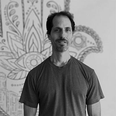 michael-headshot-yoga-house-bw-400x400