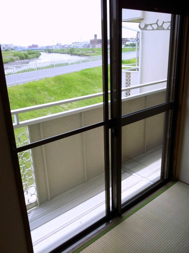 Apartments in Japan for Foreigners - Balcony View