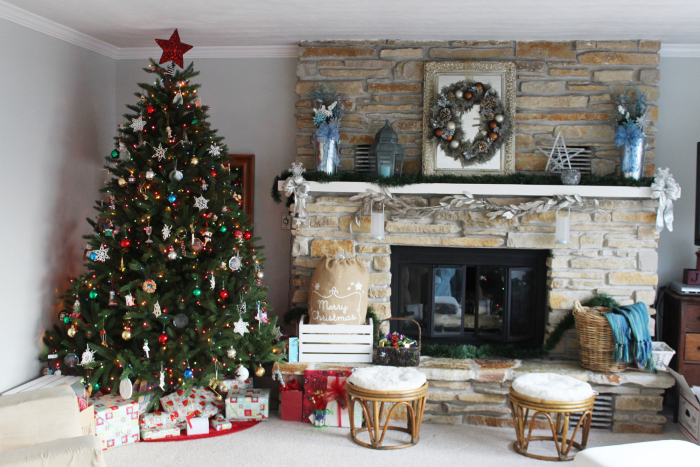 christmas-living-room-scene
