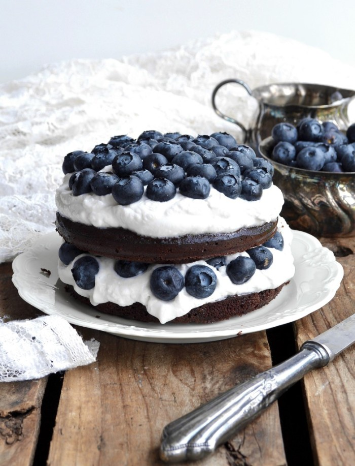 blueberry layer cake chocolate