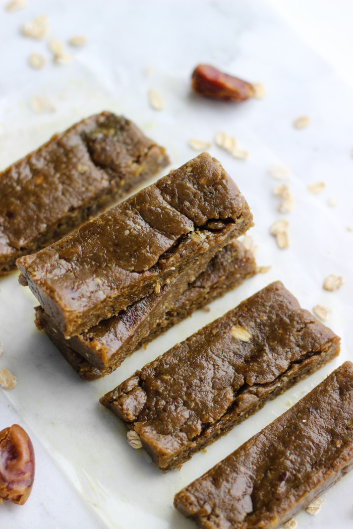 Simple Peanut Butter Matcha Energy Bars | The Yooper Girl-3