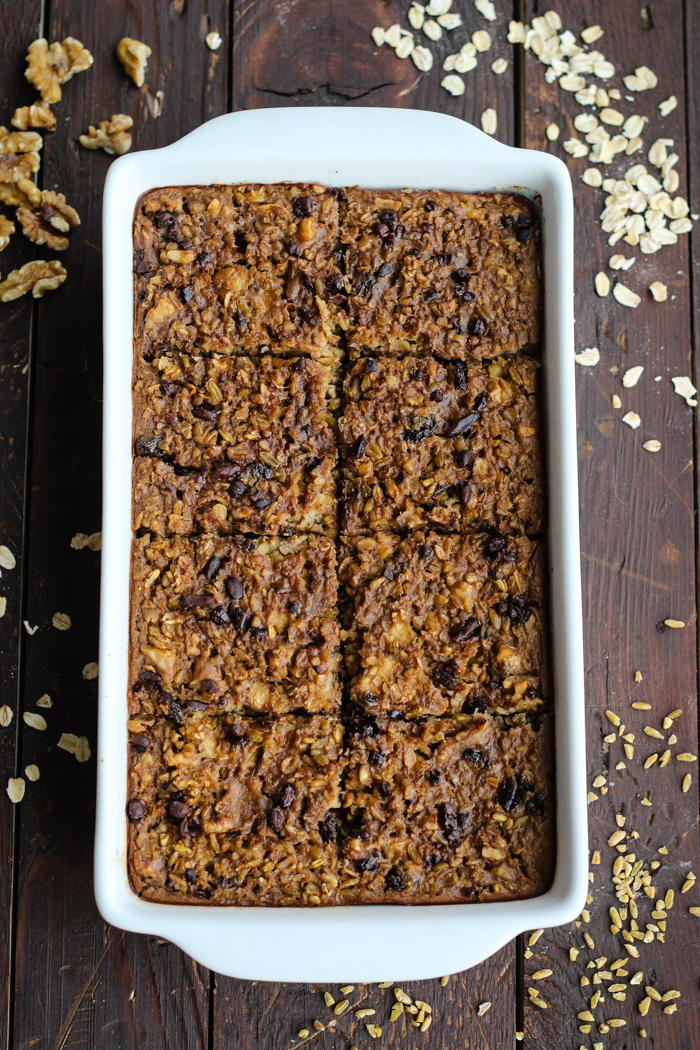 Oatmeal and Freekeh Breakfast Bake with cacao nibs, walnuts, and raisins - The Yooper Girl