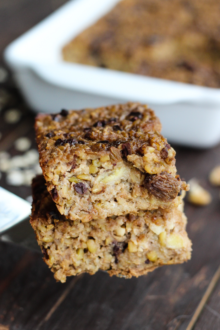 Oatmeal and Freekeh Breakfast Bake with walnuts, cacao nibs, and raisins - The Yooper Girl