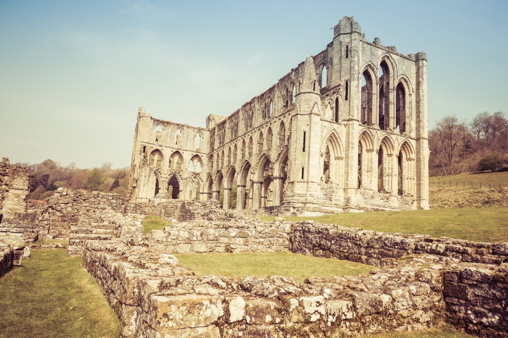 Our First Visit To Rievaulx Abbey | The Yorkshire Dad of 4