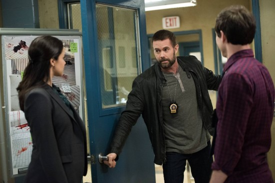 Brooklyn-Nine-Nine-Det-Dave-Majors-Season-2-Episode-21-3-550x367