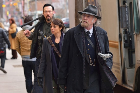"""THE STRAIN -- """"The Assassin"""" -- Episode 210 (Airs September 13, 10:00 pm e/p) Pictured: (front to back) David Bradley as Abraham Setrakian, Mia Maestro as Nora Martinez, Kevin Durand as Vasiliy Fet. CR: Michael Gibson/FX"""