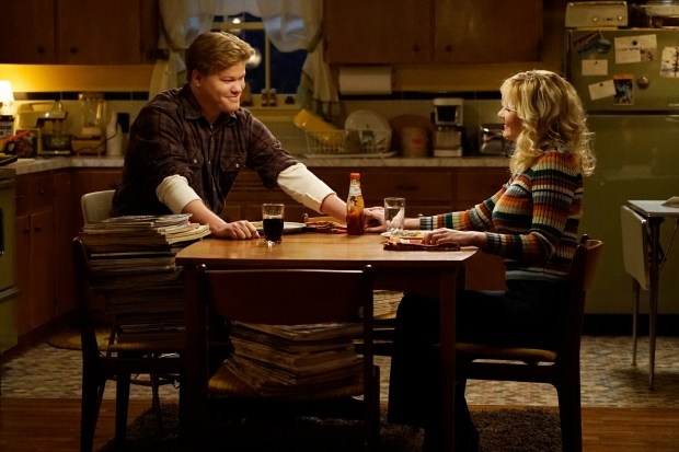 FARGO -- Pictured: (l-r) Jesse Plemons as Ed Blumquist, Kirsten Dunst as Peggy Blumquist. CR: Chris Large/FX