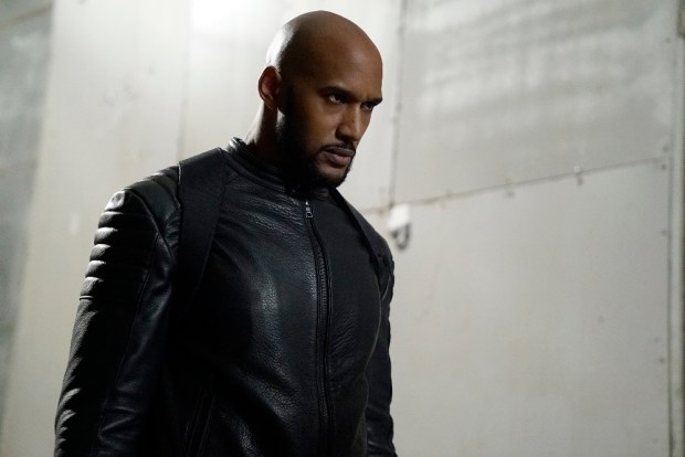 "MARVEL'S AGENTS OF S.H.I.E.L.D. - ""Deals With Our Devils"" - With the loss of half the team, the remaining members search for answers as the clock counts down for Ghost Rider, on ""Marvel's Agents of S.H.I.E.L.D.,"" TUESDAY, NOVEMBER 29 (10:00-11:00 p.m. EST), on the ABC Television Network. (ABC/Jennifer Clasen) HENRY SIMMONS"