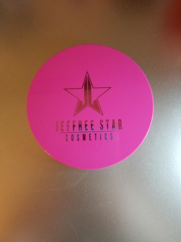Jeffree Highlight Closed