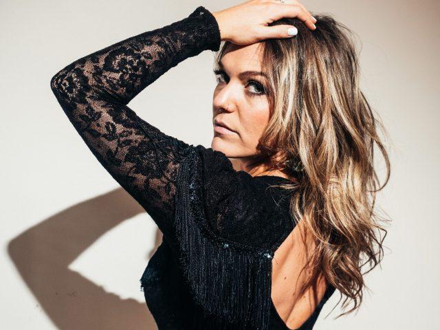 Calgary artist Jess Knights ain't fakin' it on stunning soul, pop, blues 'n' roots debut Best Kind of Light