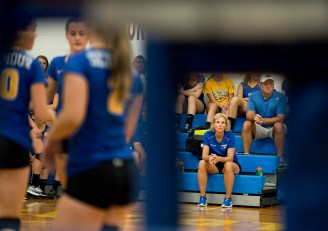 Seymour head coach Cathy Federowicz, right, look on as her team defeats Oxford 3-0Tuesday at Seymour High School. Jim Shannon Republican American