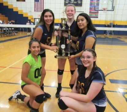 Kennedy Seniors from left, Arianna Padilla, Derya Demirel, Marin Delaney, Susana Mejia and Hannah West