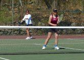 Sacred Heart girls tennis - Megan Arias Alivia Martino
