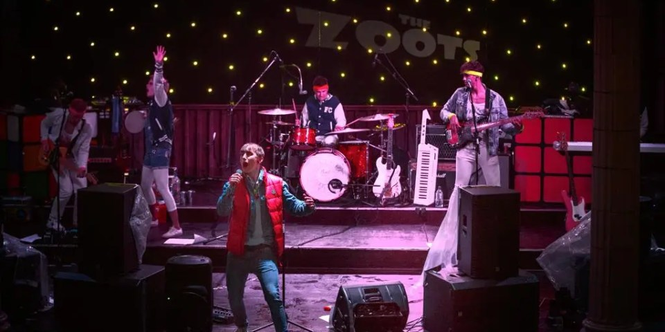 80s tribute band, the zoots, 80s show, 80s theatre show, 80s tribute band Sussex