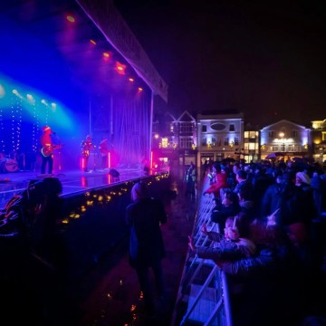 Christmas party band Salisbury Christmas lights switch on