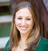 Author Claire Luana