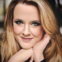 Author Nicole Conway
