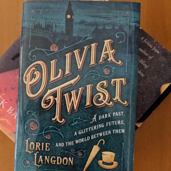 OLIVA TWIST by Lorie Langdon