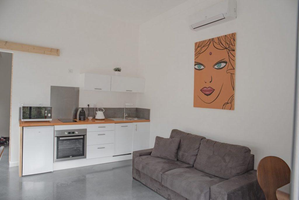 Baux de Provence - Domaine Mejan - Hotel - Salon et cuisine lodge